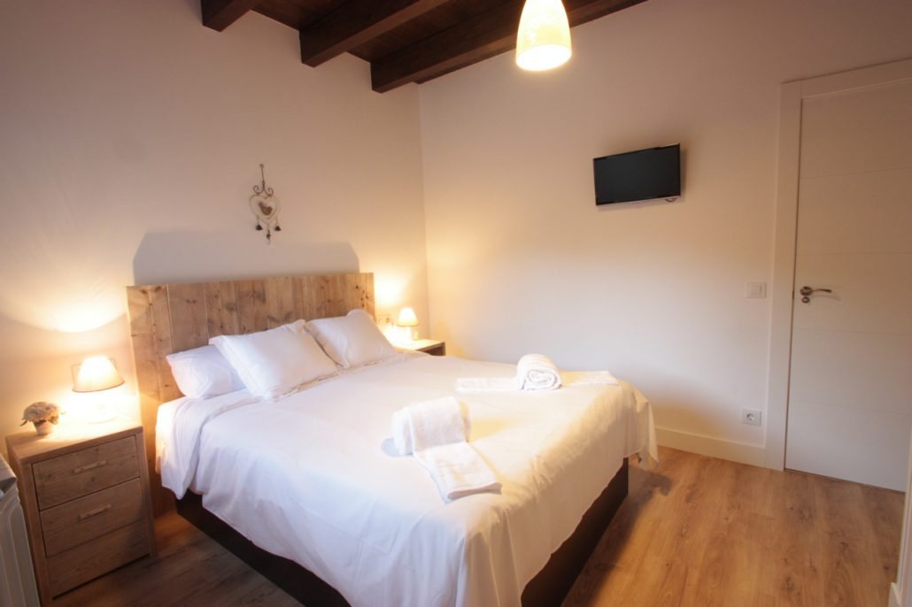 Dormitorio principal Casa Rural OROS